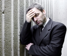 Augen zu und durch - Führungskräfte unter Stress